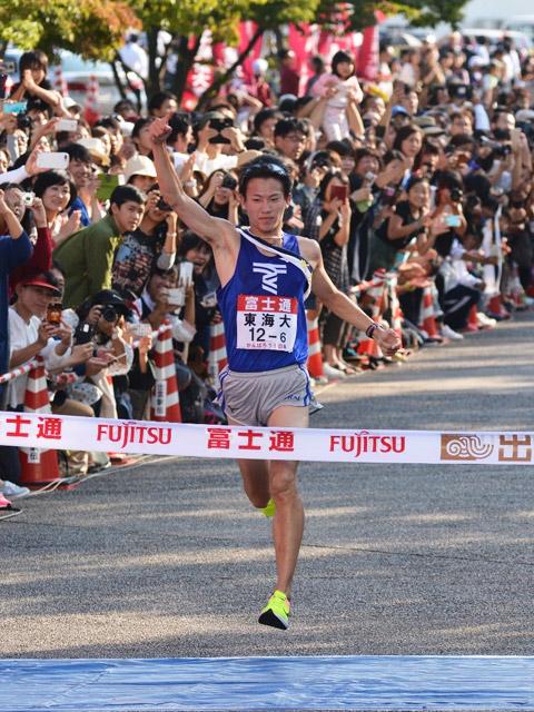 【陸上】出雲駅伝 東海大が10年ぶりの優勝。三連覇を狙った青学大は1分33秒差の2位