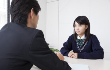 試験官「君、高校時代部活動何もやってないね」ワイ「進学校だったので授業についていくのが大変で」