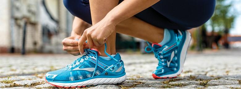 なぜジョギングシューズは総じてダサいデザインなのか?
